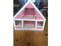 Dolls house / garage for little hands