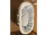 Moses basket with rocking stand,mattress and two fitted sheets