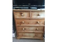 Solid wooden pine 5 drawer chest of drawers