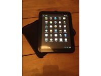 HP TouchPad 9.7 inch Tablet, Case and Charger
