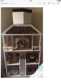 Dolls house with accessories for sale: a great Xmas present