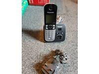 Panasonic single cordless digital house phone with answering machine