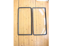 2 x Middle Side Windows & Rubber Seals for T2 Bay