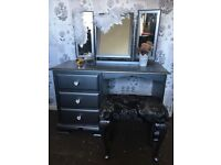 Stunning dressing table,mirror and sto