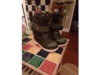 Vans matlock snowboard boots size 10