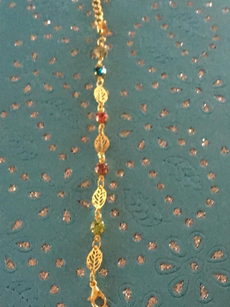 Ladies gold retro leaf and stones bracelet