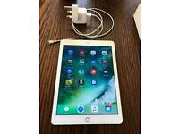 Apple IPad Air Gold 32GB WIFI only