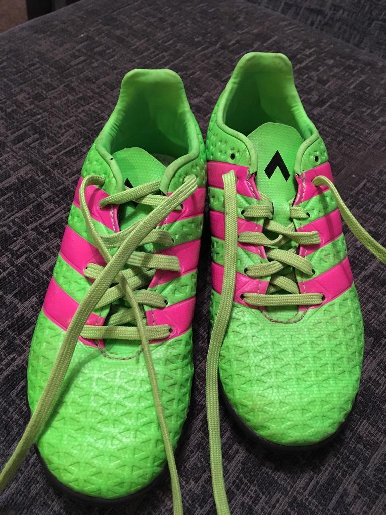 best website 0e0dc 32e36 Boys Adidas trainers size 1