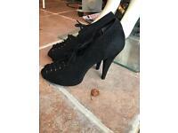 Ladies lace shoes