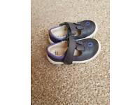 GIRLS FIRST SHOES SIZE 4E