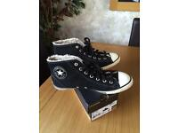 Black converse all star size 6