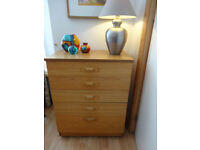 Chest of wooden drawers, beautiful condition!