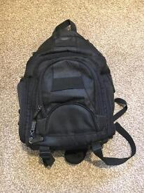 Inov8 one shoulder camera bag