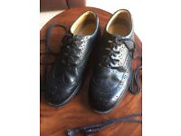 Ghillie Brogues Size 9 Excellent Condition.
