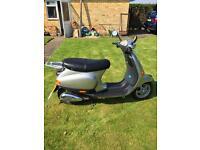 50cc Vespa ET2 scooter