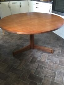 Dining Table with single pedestal leg