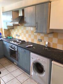 2 bedroom flat in banstead Surrey