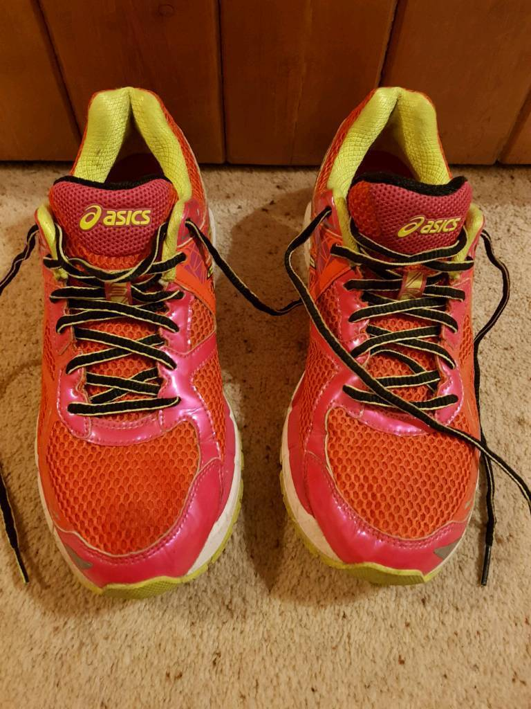 Asics GT 2000 womens running trainers size uk7