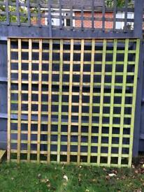 2 X PANELS OF GARDEN TRELLIS