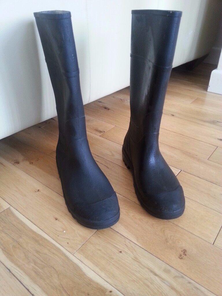 Rubber Wellingtons size 6