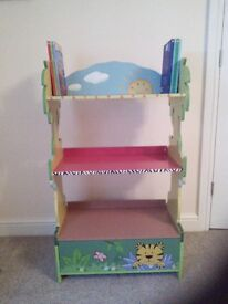 Handcrafted Sunny Safari Bookcase with 7 books by Teamson