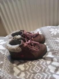 Infant girls 6F clarks boots