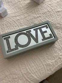'Love' mirrored light box