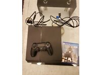Ps4 (500gb) with one game.