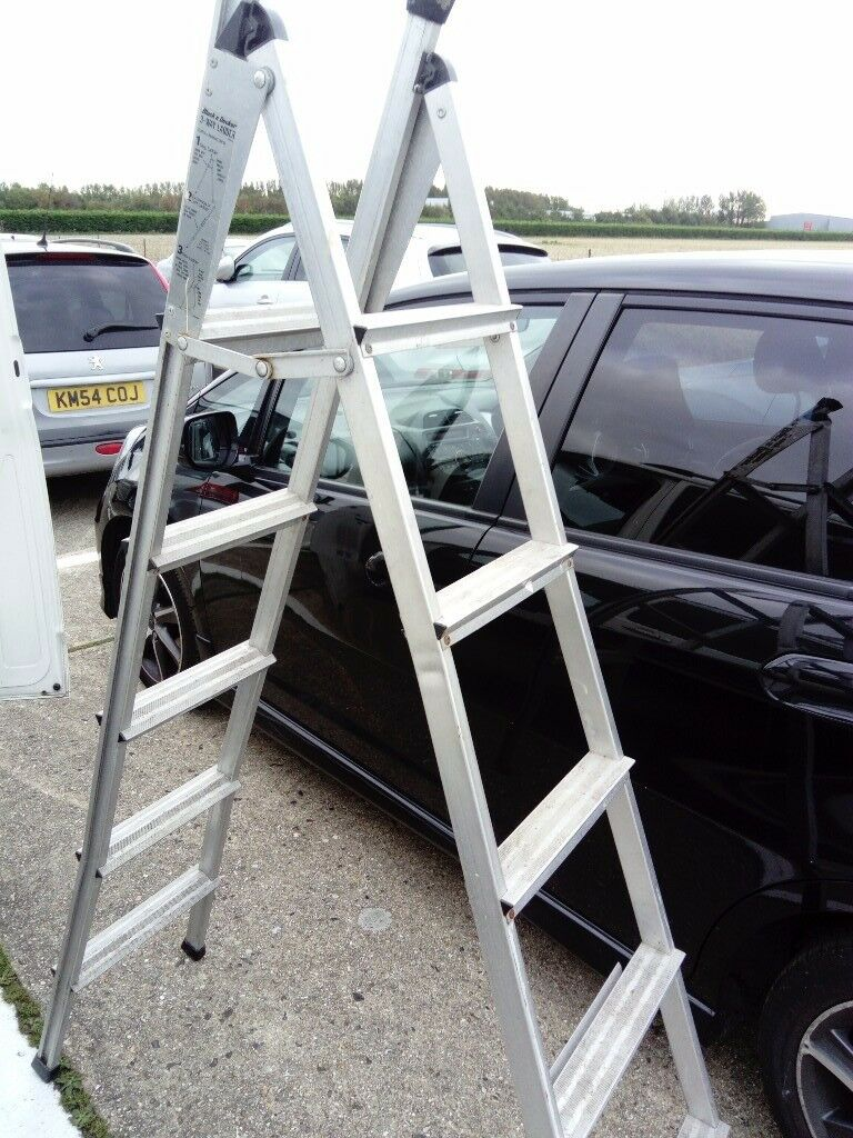 Step ladder 3 way Black and Decker in very good condition