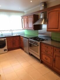 No Admin Fees! Fully Furnished, Bills and Furniture Inclusive! East Putney near Barnes Station.