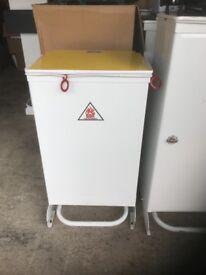 Household or garage bins, various sizes
