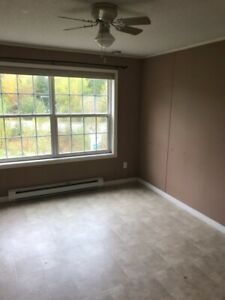 Cute three bedroom mini between Fton and oromocto