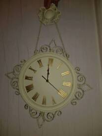 Hang up clock brans new in box