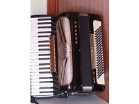 HOHNER VERDI V5 ,120 BASS PIANO ACCORDION 9 TREBLE COUPLERS ,3 BASS,BELLOWS ALL IN AI CONDITION ,