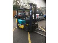 Kmatsu 2 tone gas year 2004 in excellent condition with side shift good working order