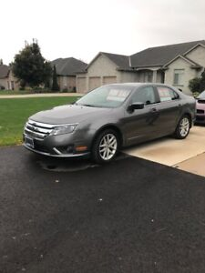 2012 Ford Fusion sel low kms !