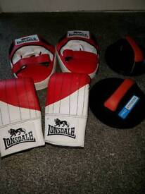 Boxing gloves and pads great condition slight wear on the gloves as in picture