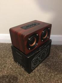 Retro mini Bluetooth speaker