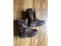 Toddler boots size 4