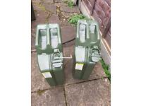 2 jerry cans as new