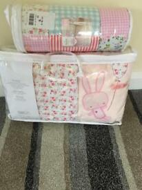 Nursery baby girl set - don't miss out!