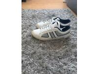White shoes for men size 7