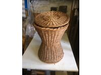 Wicker round side table with lid