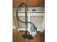 Zanussi Ergo Easy All Floor Cyclonic Bagless Cylinder Vacuum Cleaner