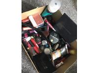 Box makeup and brushes pallets