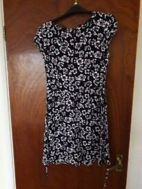 Ladies Newlook Size 12 Floral Dress