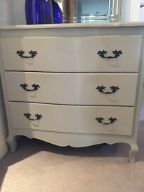 Shabby chic chest of drawers with vase and mirror