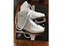 Girls Ice Skates Size 2 (worn once)