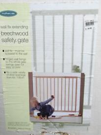 Baby gate, never used.
