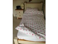 Single bed in shaker style